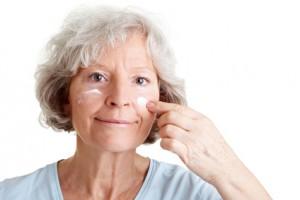 Dermatologen empfehlen, nach einer PDT die Haut vor Sonneneinstrahlung zu schützen